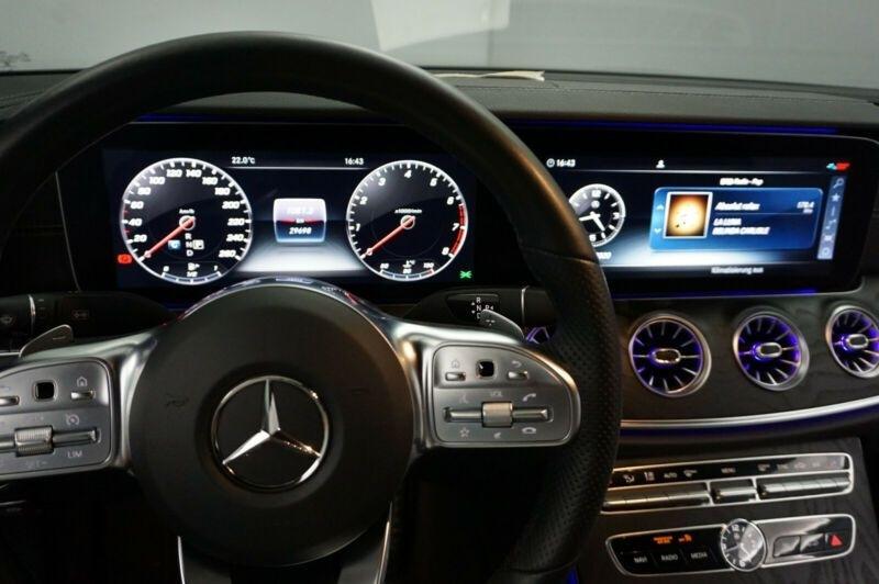 Mercedes Classe E 200 (C238) 200 184CH AMG LINE 9G-TRONIC Noir occasion à Villenave-d'Ornon - photo n°7