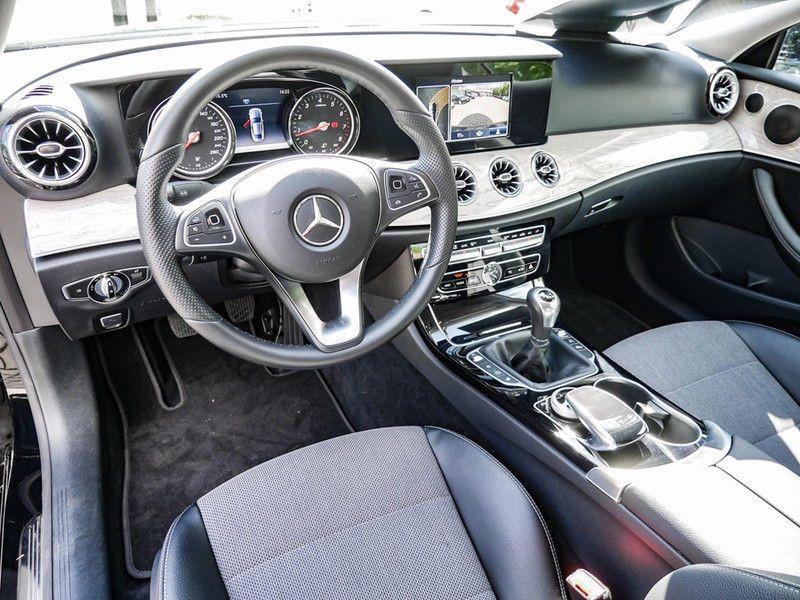 Mercedes Classe E 200 200 Coupé Noir occasion à Beaupuy - photo n°2