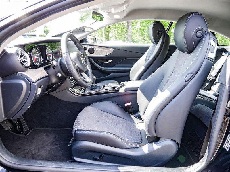 Mercedes Classe E 200 200 Coupé Noir occasion à Beaupuy - photo n°4