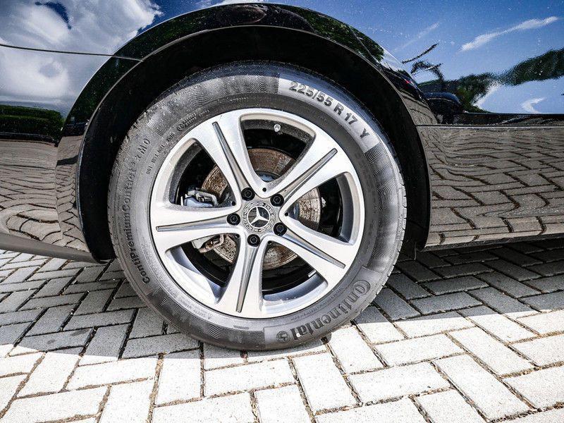 Mercedes Classe E 200 200 Coupé Noir occasion à Beaupuy - photo n°9