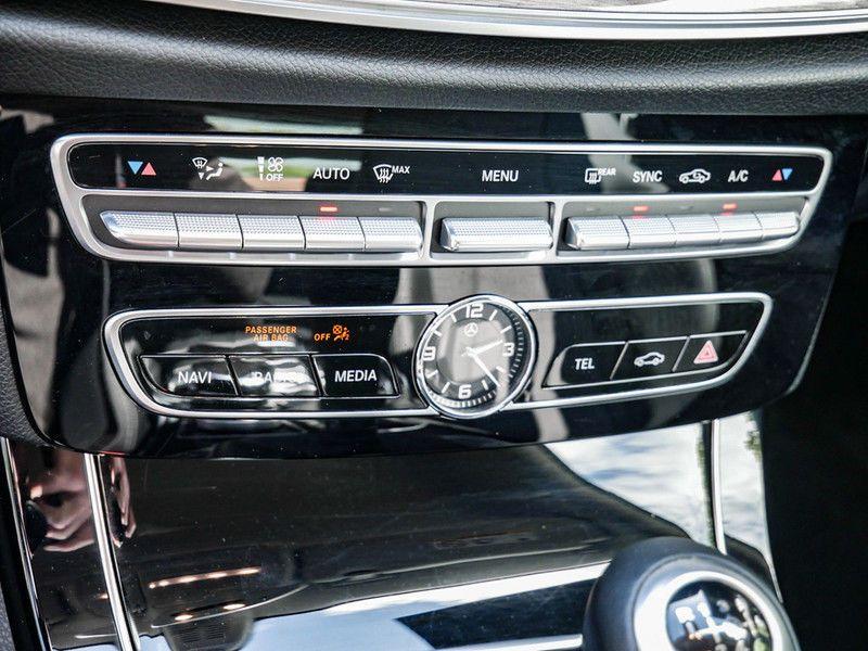 Mercedes Classe E 200 200 Coupé Noir occasion à Beaupuy - photo n°7