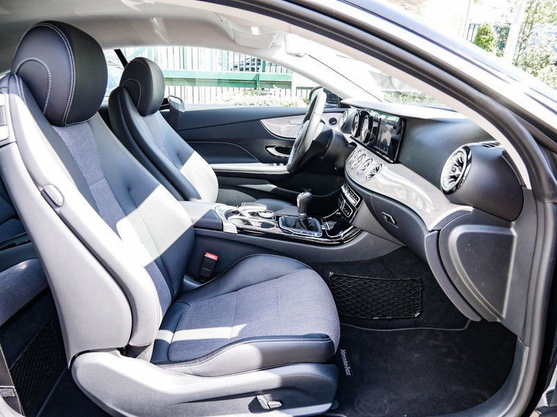 Mercedes Classe E 200 200 Coupé Noir occasion à Beaupuy - photo n°5