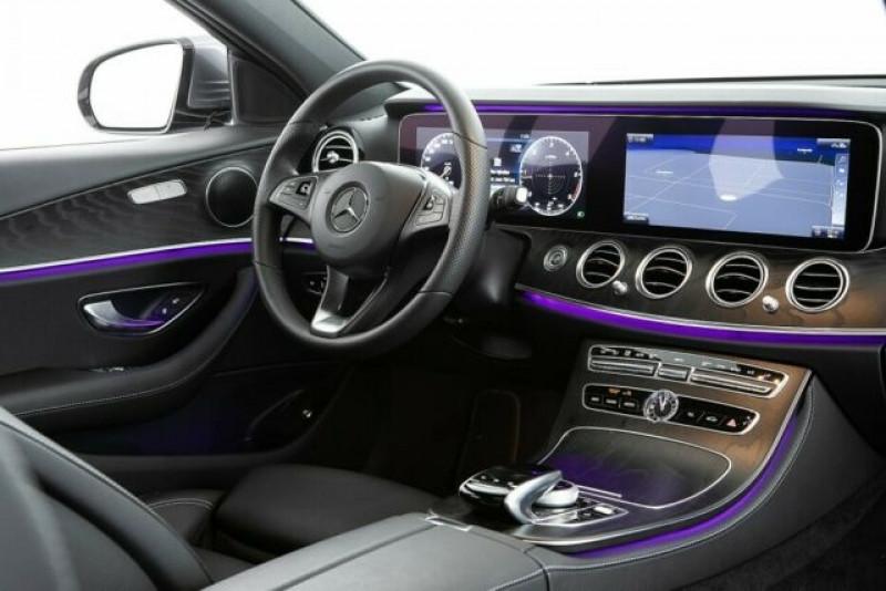 Mercedes Classe E 220 220 D 194CH 4MATIC 9G-TRONIC EURO6D-T-EVAP-ISC Gris occasion à Villenave-d'Ornon - photo n°5