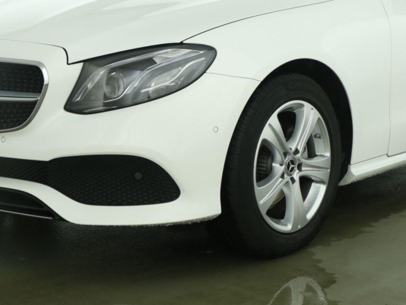 Mercedes Classe E 220 220 d Coupé Blanc occasion à Beaupuy - photo n°9