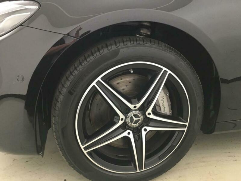 Mercedes Classe E (S213) 300 DE 194+122CH AMG LINE 9G-TRONIC Noir occasion à Villenave-d'Ornon - photo n°4