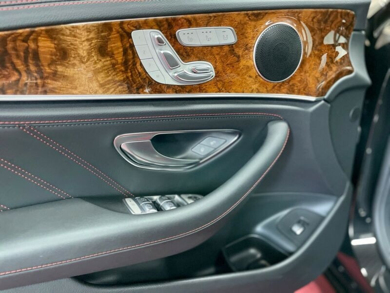 Mercedes Classe E (S213) 53 AMG 435CH EQ BOOST 4MATIC+ 9G-TRONIC EURO6D-T-EVAP  occasion à Villenave-d'Ornon - photo n°5