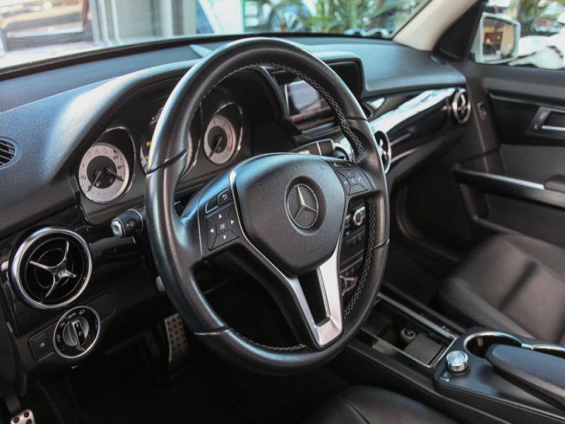Mercedes Classe GLK 250 250 CDI 4 Matic AMG Gris occasion à Beaupuy - photo n°4