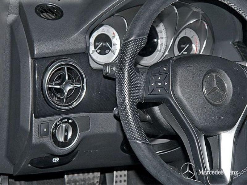 Mercedes Classe GLK 350 350 CDI 4 Matic AMG Bleu occasion à Beaupuy - photo n°7