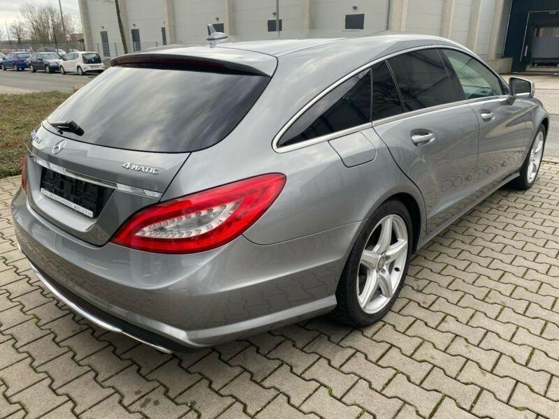 Mercedes CLS (X218) 350 CDI 4 M AMG TOIT PANO Gris occasion à Villenave-d'Ornon - photo n°3