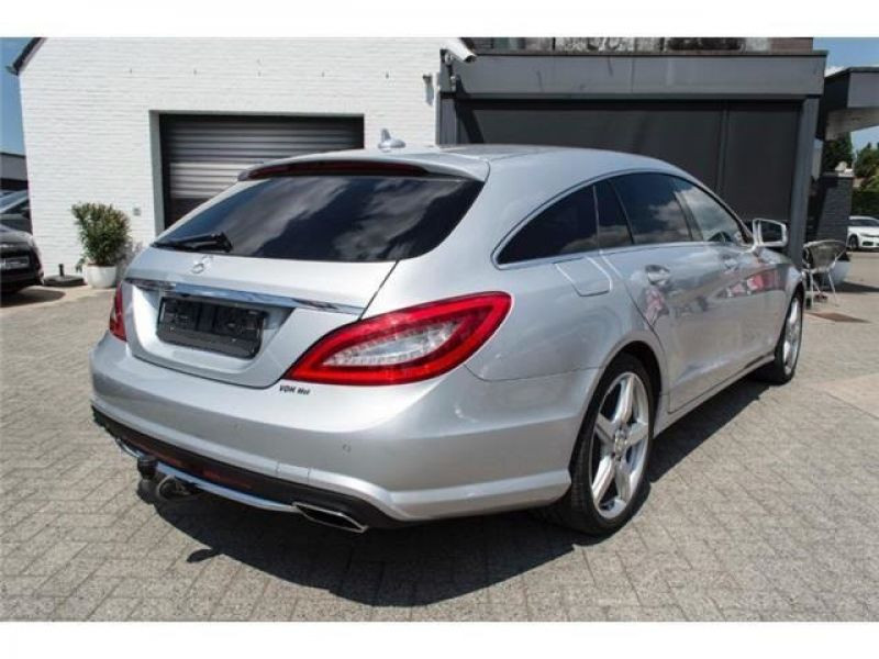 Mercedes CLS 250 CDI Shooting Brake AMG Argent occasion à Beaupuy - photo n°3