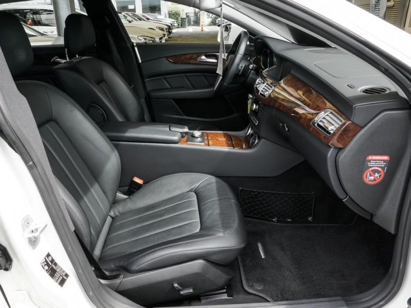 Mercedes CLS 350 CDI Shooting Brake Blanc occasion à Beaupuy - photo n°4
