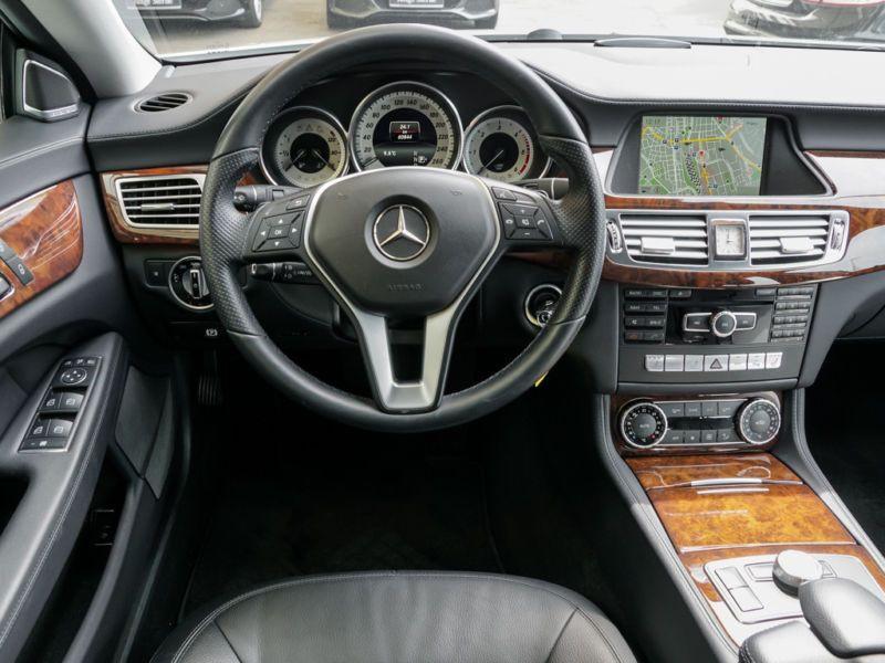 Mercedes CLS 350 CDI Shooting Brake Blanc occasion à Beaupuy - photo n°2