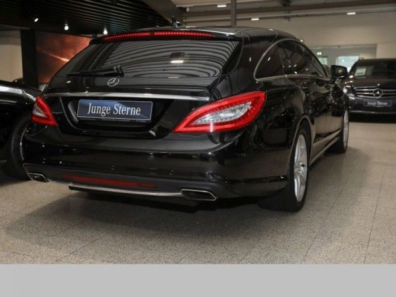 Mercedes CLS 500 Shooting Brake 4 Matic AMG Noir occasion à Beaupuy - photo n°3