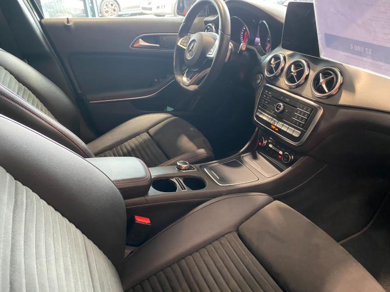 Mercedes GLA (X156) 220 D 170CH FASCINATION 4MATIC 7G-DCT EURO6C Noir occasion à Foix - photo n°8