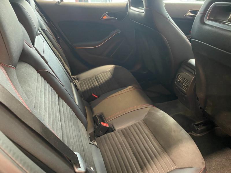Mercedes GLA (X156) 220 D 170CH FASCINATION 4MATIC 7G-DCT EURO6C Noir occasion à Foix - photo n°9