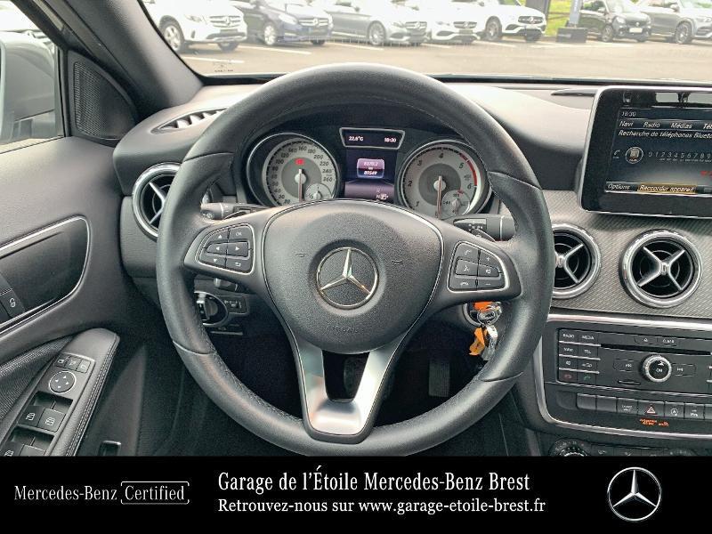 Mercedes GLA 180 d Inspiration 7G-DCT Gris occasion à BREST - photo n°7