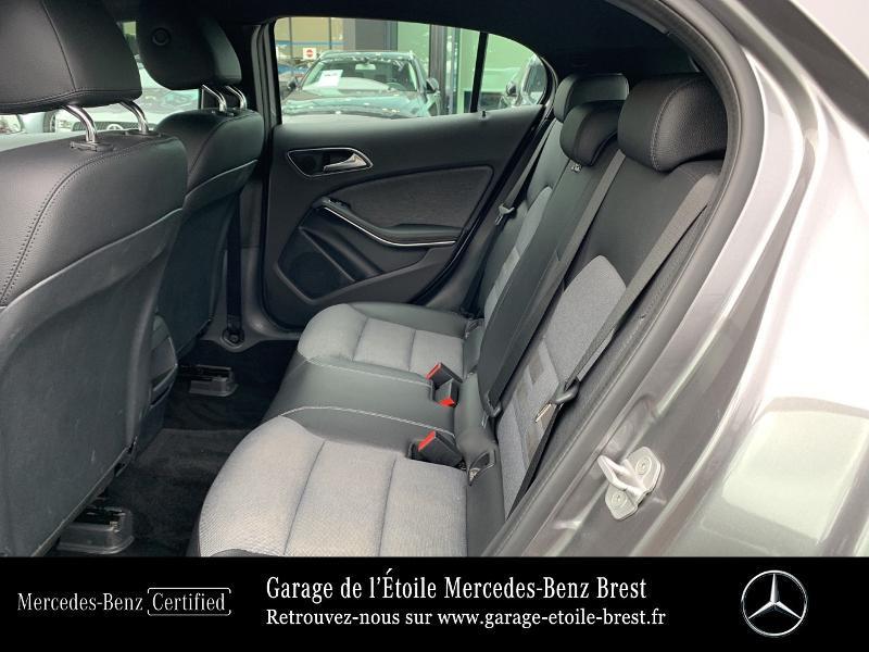 Mercedes GLA 180 d Inspiration 7G-DCT Gris occasion à BREST - photo n°11