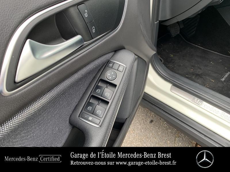 Mercedes GLA 180 d Inspiration 7G-DCT Blanc occasion à BREST - photo n°17