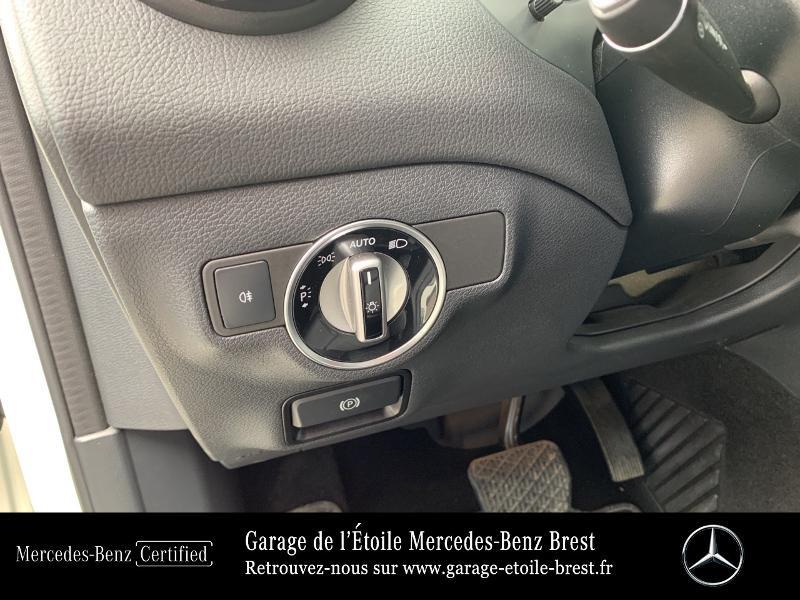 Mercedes GLA 180 d Inspiration 7G-DCT Blanc occasion à BREST - photo n°18