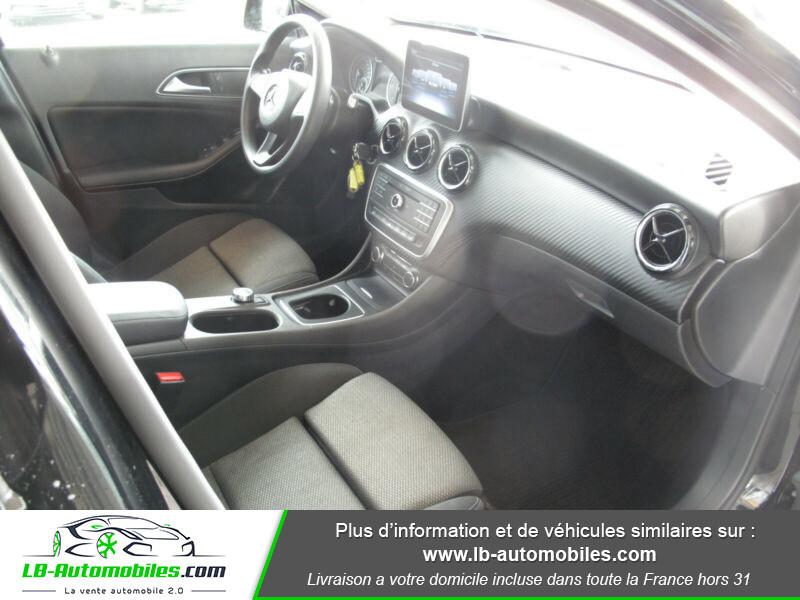 Mercedes GLA 180 d Noir occasion à Beaupuy - photo n°4