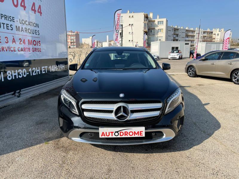 Mercedes GLA 180 Sensation - 38 000 Kms Noir occasion à Marseille 10 - photo n°2