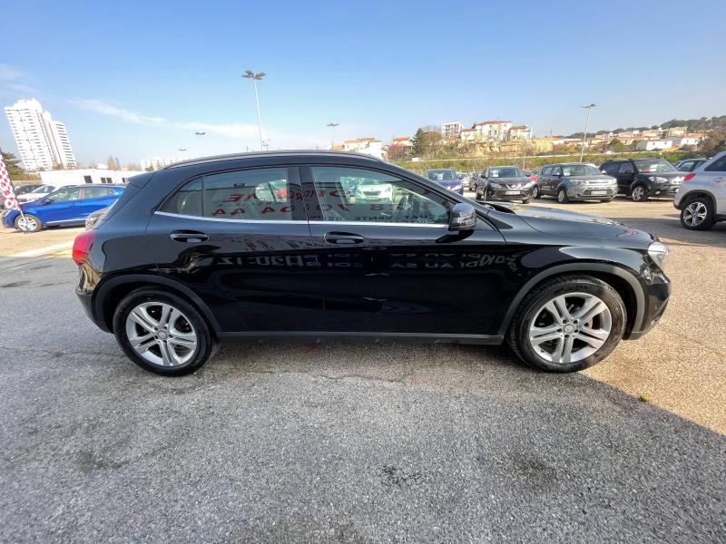 Mercedes GLA 180 Sensation - 38 000 Kms Noir occasion à Marseille 10 - photo n°5