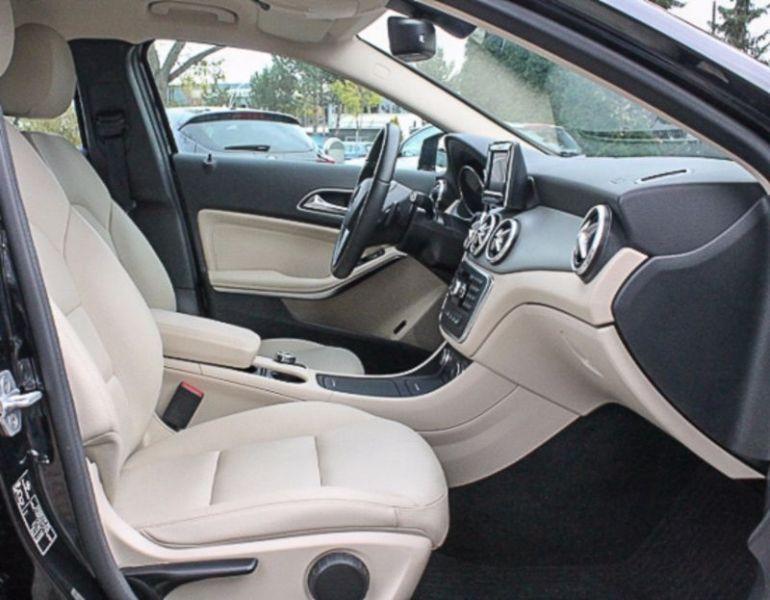 Mercedes GLA 180 Noir occasion à Beaupuy - photo n°8
