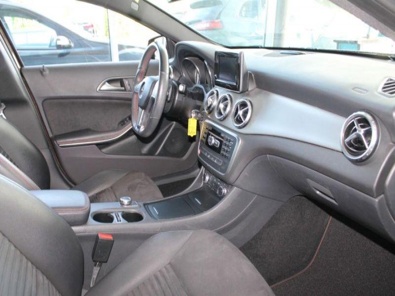 Mercedes GLA 200 CDI AMG Marron occasion à Beaupuy - photo n°5