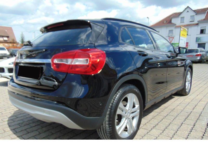 Mercedes GLA 200 CDI Noir occasion à Beaupuy - photo n°3