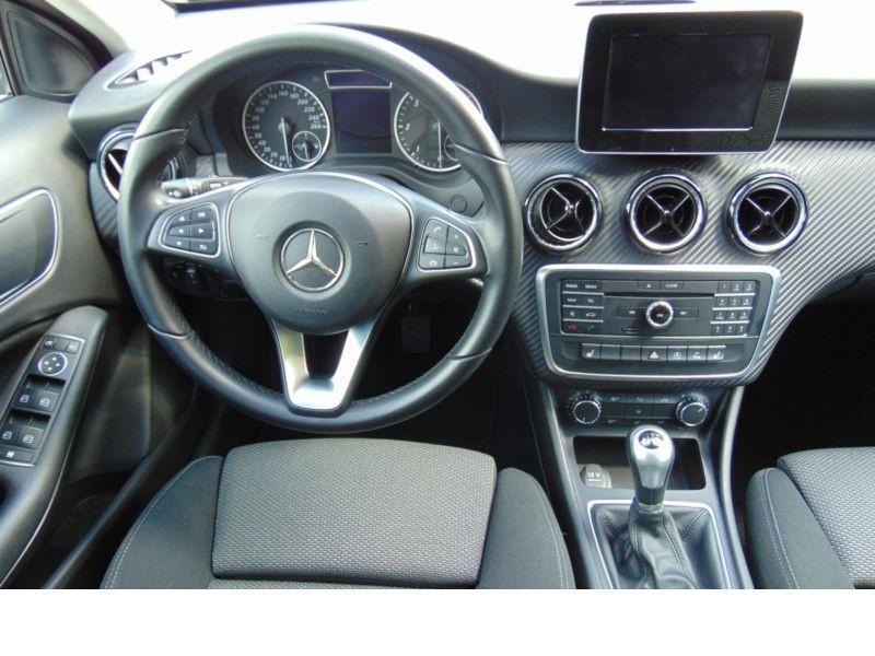 Mercedes GLA 200 CDI Noir occasion à Beaupuy - photo n°2
