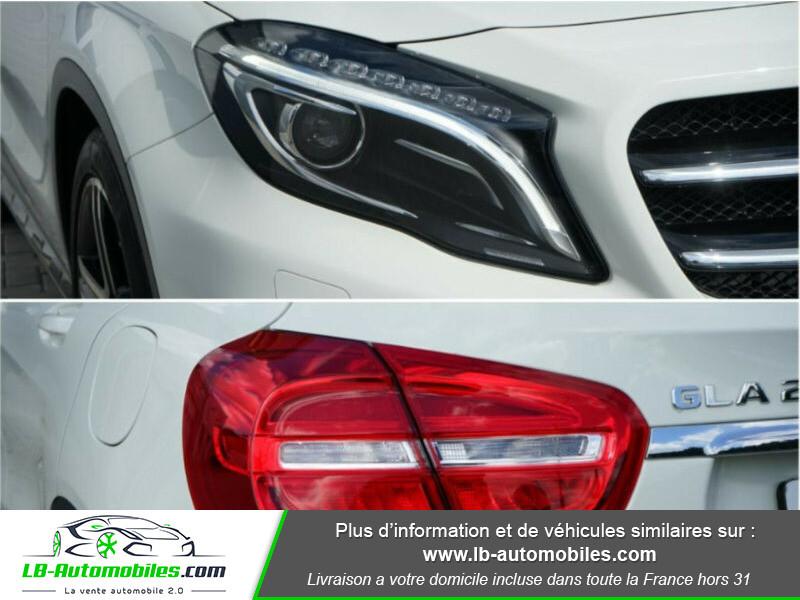 Mercedes GLA 200 d 4MATIC Blanc occasion à Beaupuy - photo n°4