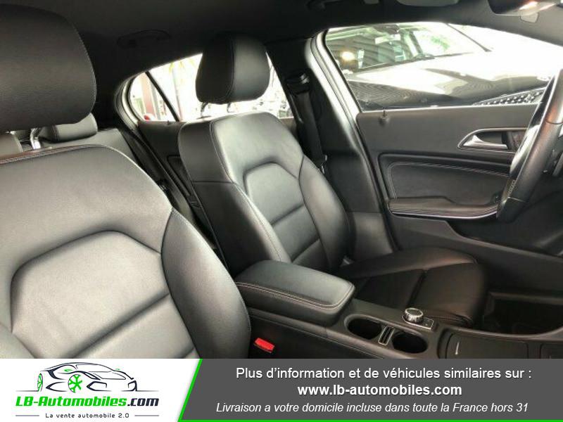Mercedes GLA 200 d Blanc occasion à Beaupuy - photo n°4