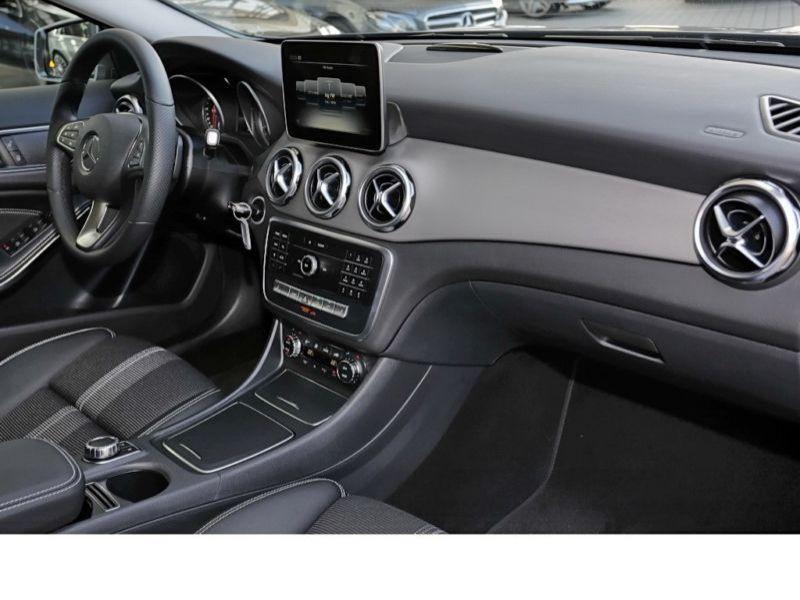 Mercedes GLA 200 Gris occasion à Beaupuy - photo n°6