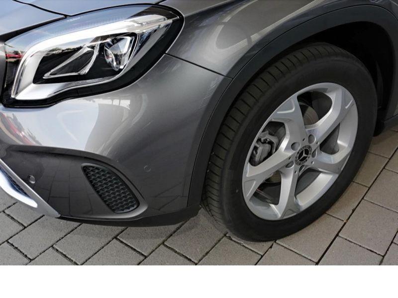 Mercedes GLA 200 Gris occasion à Beaupuy - photo n°9