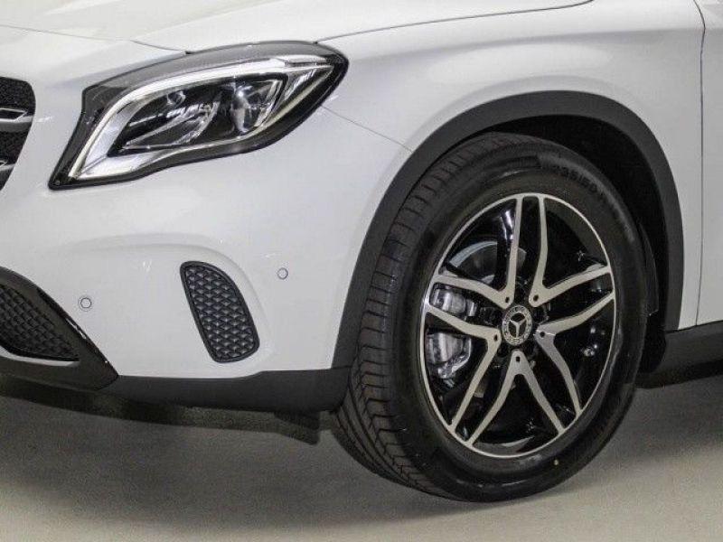 Mercedes GLA 200 Blanc occasion à Beaupuy - photo n°9