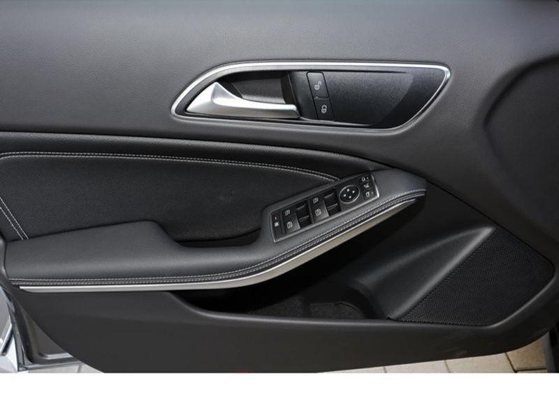 Mercedes GLA 200 Gris occasion à Beaupuy - photo n°8