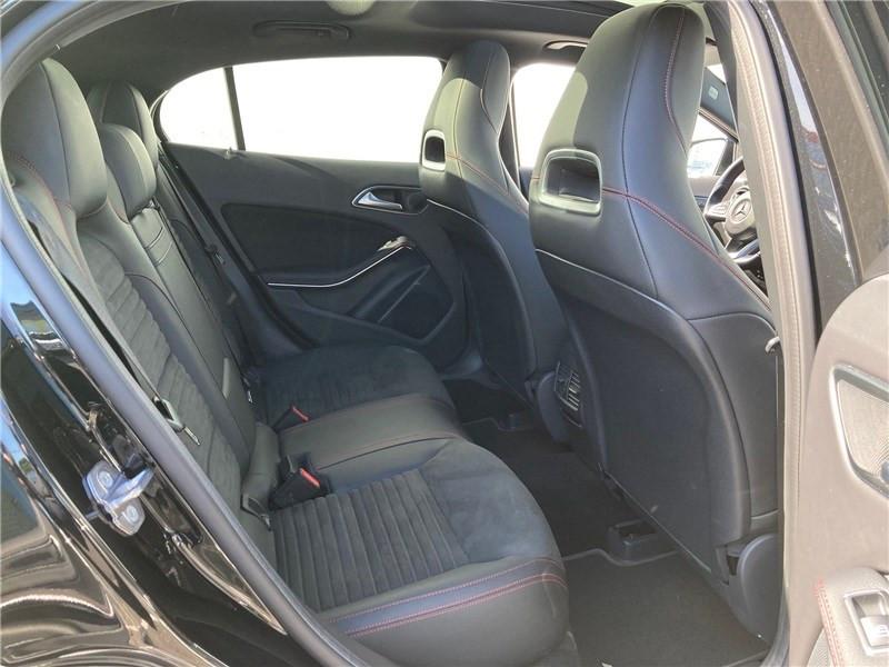Mercedes GLA 220 D 7-G DCT Fascination Noir occasion à MERIGNAC - photo n°12