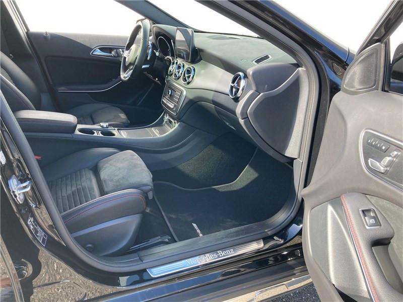 Mercedes GLA 220 D 7-G DCT Fascination Noir occasion à MERIGNAC - photo n°7