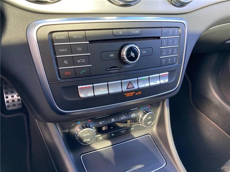 Mercedes GLA 220 D 7-G DCT Fascination Noir occasion à MERIGNAC - photo n°15