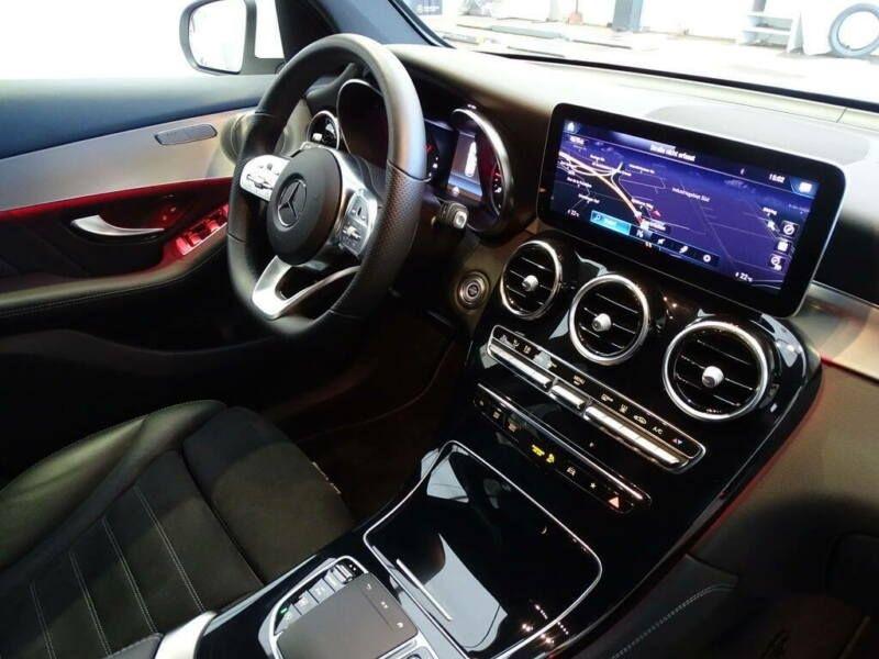 Mercedes GLC 300 D 245CH AMG LINE 4MATIC 9G-TRONIC Blanc occasion à Villenave-d'Ornon - photo n°8