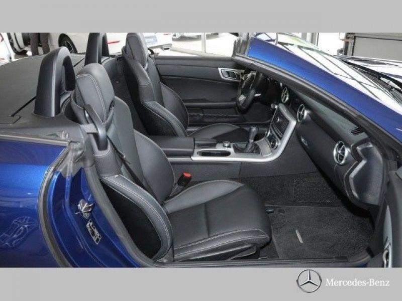 Mercedes SLC 180 Bleu occasion à Beaupuy - photo n°4