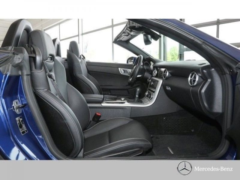 Mercedes SLC 180 Bleu occasion à Beaupuy - photo n°6