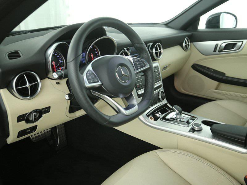 Mercedes SLC 200 Noir occasion à Beaupuy - photo n°6