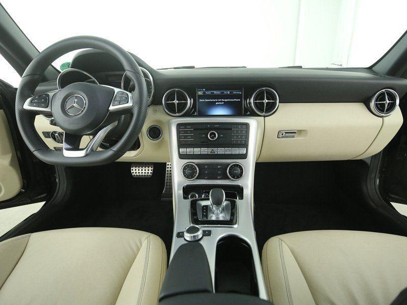 Mercedes SLC 200 Noir occasion à Beaupuy - photo n°2