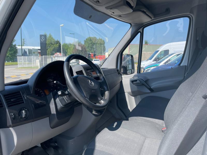 Mercedes Sprinter 514 CDI 43 3T5 Caisse + Hayon Blanc occasion à Gières - photo n°8