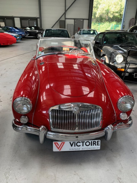 Mg MGA 1600 Rouge occasion à Châteauneuf-le-Rouge