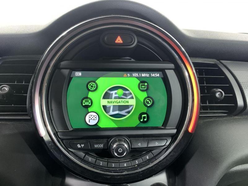 Mini Mini 1.5I 136 BVA 5P COOPER BUSINESS GPS Blanc occasion à Verfeil - photo n°17