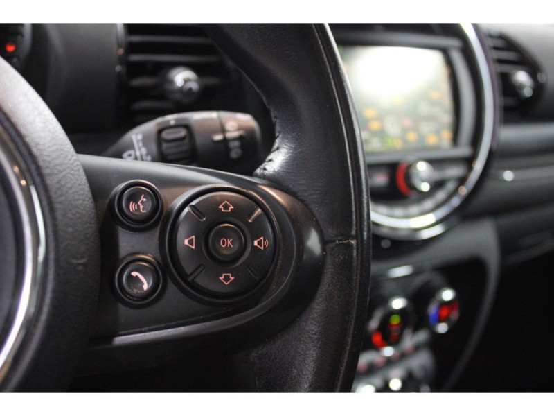 Mini Mini CLUBMAN 150  COOPER D BUSINESS GPS GAR 1 AN Rouge occasion à Verfeil - photo n°20