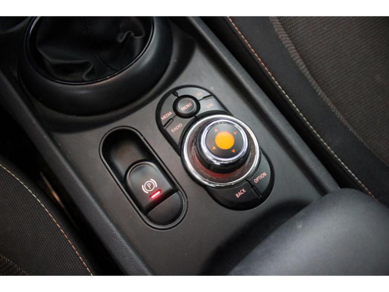 Mini Mini CLUBMAN 150  COOPER D BUSINESS GPS GAR 1 AN Rouge occasion à Verfeil - photo n°19