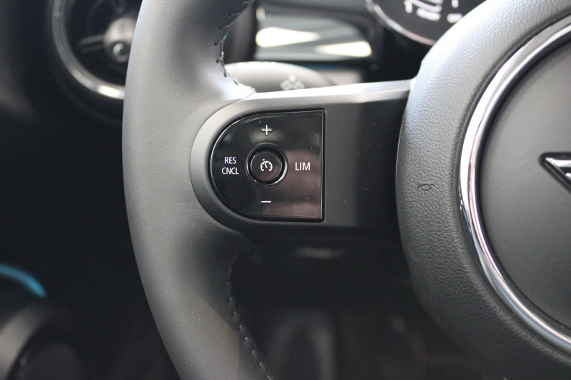 Mini Mini Mini Cooper 136 ch Edition Camden 3p Rouge occasion à Lescar - photo n°16